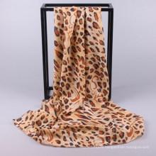 Nouveau style de bonne qualité coloré personnalisé fait imprimé léopard laddy foulard hijab dubai