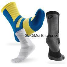 2016 nuevo diseño personalizado correr deporte calcetines