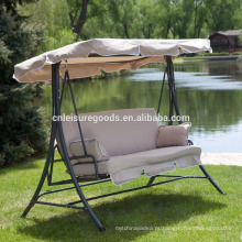 Cadeira de jardim de metal com almofada