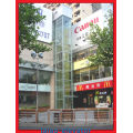 Panorama-Aufzug mit Hairline Edelstahl-Steuerbox