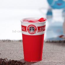 Copo de café da caneca do eco do curso com tampa plástica, caneca cerâmica com envoltório do silicone, starbucks do copo