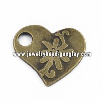 Schönen Herzen Form Schmuck Legierung Anhänger Halskette