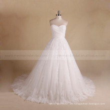 Simple corazón dulce plisado croset espalda boda vestido de bola con un tren largo