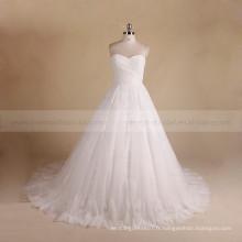 Simple coeur doux plissé en dentelle croset arrière robe de bal de mariage avec un long train