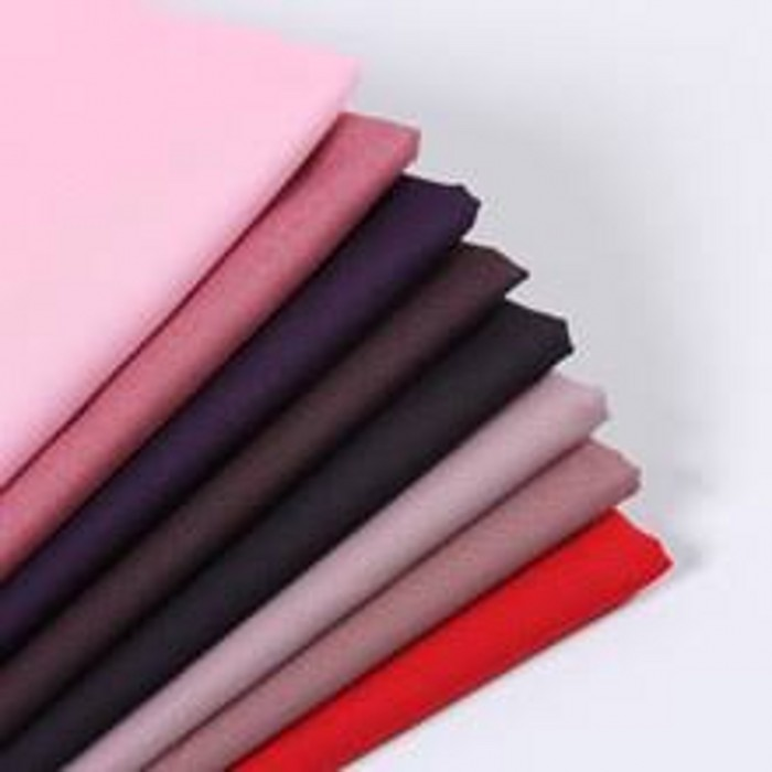Plain dyed poplin shirt making fabric
