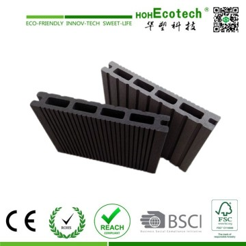 Hollow Anti- Crack Wood Plastic Composite Decking Board