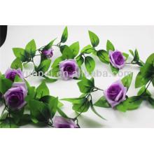Schöner künstlicher Rosen-Kranz in den verschiedenen Farben für Hochzeitsdekor