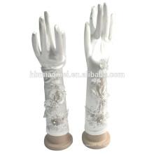 2017 Satin Blumen Hand genäht Perlen Lange Fingerlose Handschuhe Großhandel