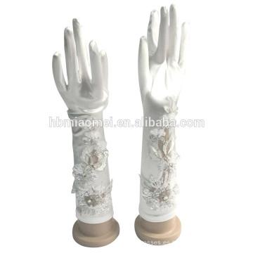 2017 flores de satén cosidas a mano cuentas guantes largos sin dedos al por mayor
