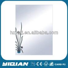 Diseño moderno colgante de pared de 4 mm de espejo de baño
