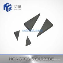 Inserção de carboneto de tungstênio de diferentes tipos e tamanhos