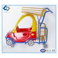 Kinderwagen mit Kunststoff-Spielzeugauto