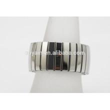 Casual / desportivo de aço inoxidável rodada prata elástica anéis para as mulheres