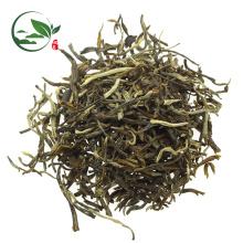 Chá de jasmim chinês solta folhas de jasmim