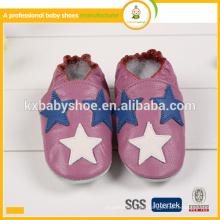 Zapatos de bebé hechos a mano suaves suaves verdaderos genuinos del cuero genuino del patrón de estrella de la alta calidad caliente de la venta