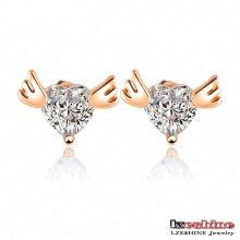 Ala de ángel con corazón Zircon amor Stud Earrings (ER0010-C)