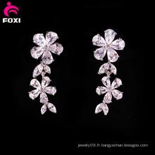 Boucle d'oreille de pierre gemme blanche de conception de fleur pour le mariage