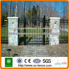 La venta caliente PVC cubrió los diseños de la parrilla de la puerta de la cerca (fabricante)