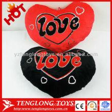 La venta caliente recibió la almohadilla en forma de corazón de la felpa