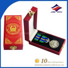 Großhandel maßgeschneiderte hochwertige Metall Ehre Medaillen mit Boxen