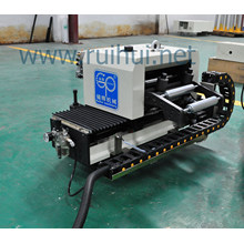 Servo nutation roll feeder use in the appliance industry