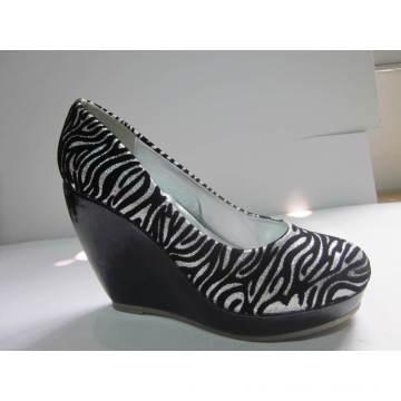 2016 Fashion High Heel Chuncky Ladies Dress Shoes (HCY03-108)