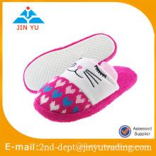 Mignon femmes hiver chaude pantoufles en coton chaussures, chaussette hiver maison à vendre