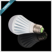 Bombilla LED de 5W blanco como la leche regulable