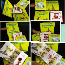 A cor completa imprimiu mini livros de estudo da matemática das crianças da escola pre