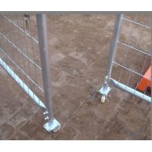 Конструкция железных ворот свободной двери