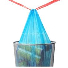 Saco plástico com cordão para lixo