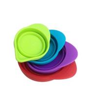 La tasse de mesure de silicone de haute qualité permet de mesurer des ingrédients secs et liquides