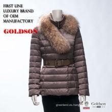 2017 Mujeres de la marca de fábrica abajo capa con la piel del mapache