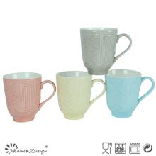 Taza de cerámica de 12 oz con dos tonos y diseño en relieve