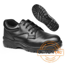 Safety Shoes Adopting Cowhide Leather