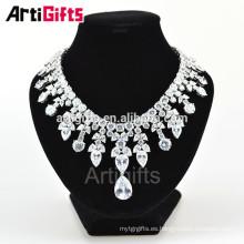 Precioso collar de piedras preciosas de oro blanco diamante de lujo para las mujeres