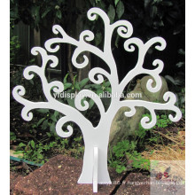 Arbre de Noël en bois de MDF dans la couleur blanche avec la peinture d'unité centrale