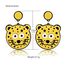 Creativo de la historieta lindo pequeño tigre pendientes
