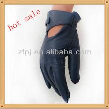 Femme courte conduite bleu en cuir gant
