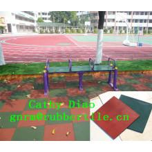 As esteiras de borracha coloridas do assoalho das crianças das telhas de borracha reciclaram as telhas de borracha da borracha do campo de jogos das telhas