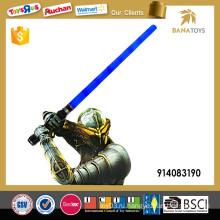 Вспышка освещения самурая привела меч для продажи