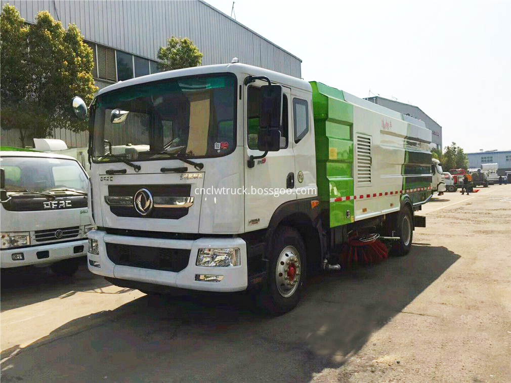vacuum road sweeper truck 1