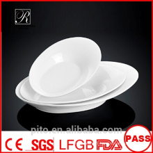 Plaques oval ovales en porcelaine P & T, plaques en porcelaine, plaques profondes blanches