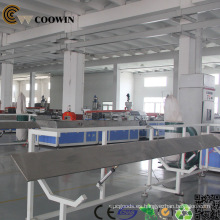 Hecho en línea de producción del perfil del PVC WPC de China PE PP