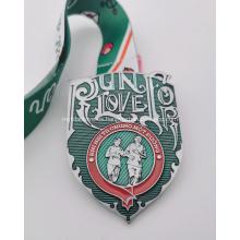 Medalla del día de San Valentín con esmalte epoxi verde personalizado 2021