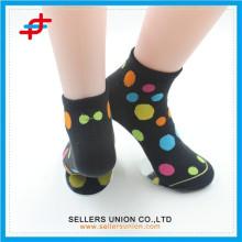 Chaussures à rayons colorés chauds et douces chaussettes tube en gros