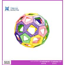 Игрушка для детей с магнитной игрушкой