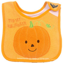 Nach Maß weicher Baumwoll-Halloween-Karikatur-Kürbis bestickte Babylätzchen