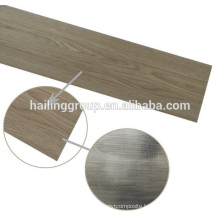 Wood grain vinyl flooring plank