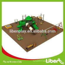 Équipement de jeu de jardin avec tapis de jeux pour la sécurité